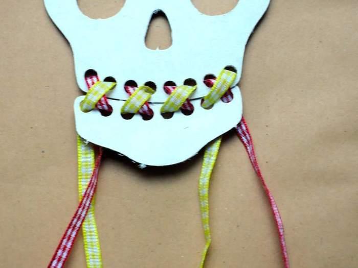 Crâne Frida-Laçage