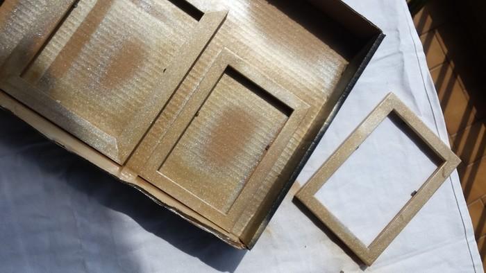 Décoration murale bohème-Etape 2 : encadrer les tissus et papiers