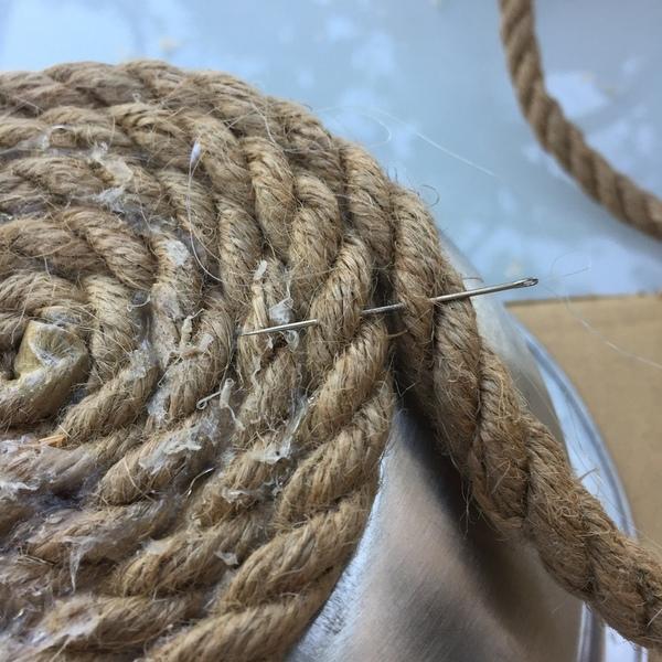 Un vide poche en corde-Les flancs