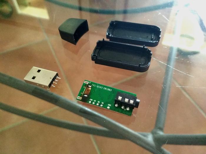 Une Enceinte Bluetooth minimaliste avec une touche rétro-Première étape : l'électronique