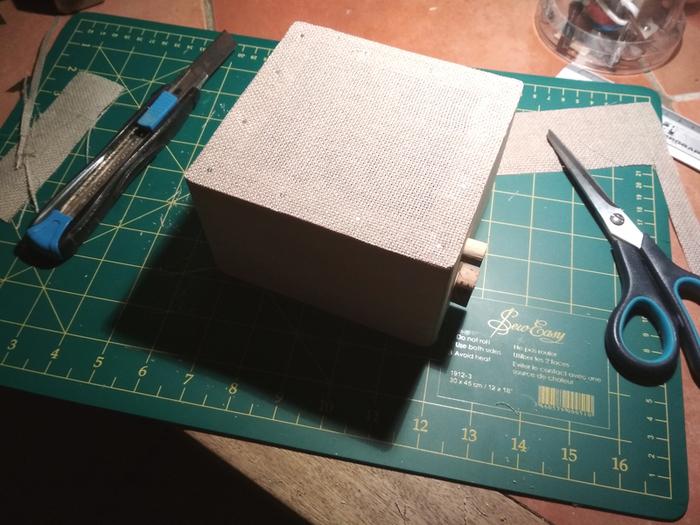 Une Enceinte Bluetooth minimaliste avec une touche rétro-Quatrième étape : Assemblage et finitions