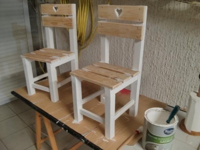 Cabane en palettes pour enfants-Table et chaises