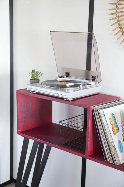 Un joli meuble pour mon tourne disque-Le meilleur pour la fin