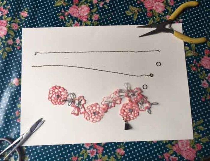 """Collier """"La vie en rose"""" (au stylo 3D)-Le montage de votre collier"""