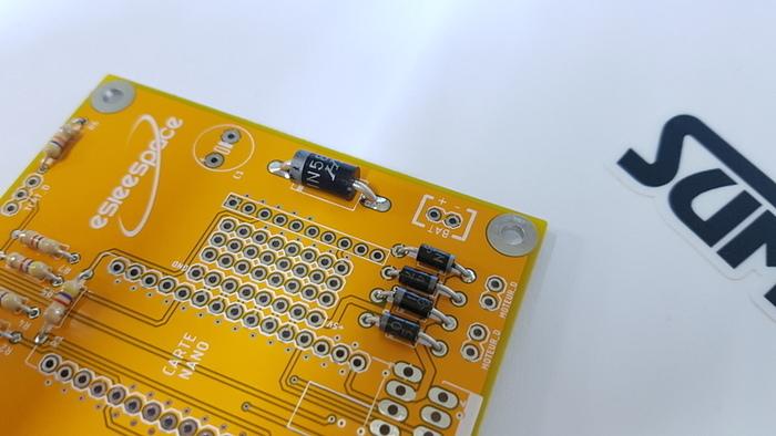 Construisez votre robot Sumobot-Soudage de la diode de puissance