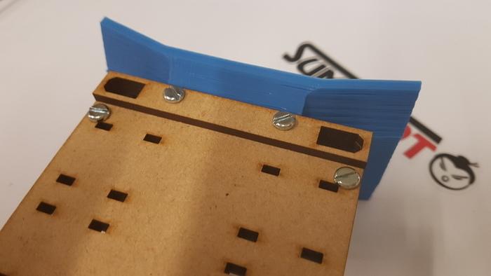 Construisez votre robot Sumobot-Assemblage et fixation de la pelle