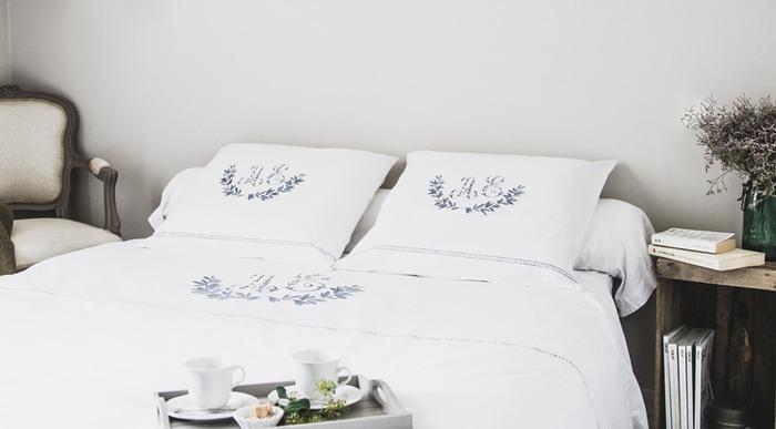 Parure de lit monogrammée , comme le linge d'antan-Taaadaaaa !