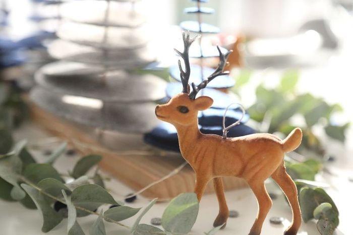 DIY Noël : une forêt enchantée pour un centre de table magique !-Réalisation des sapins en feutrine