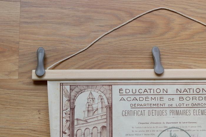 Fabriquer un porte-affiche en bois-Etape 3 : Collez !