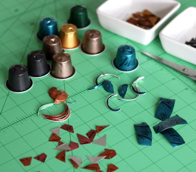 Des étoiles de Noël en 3D (et en capsules de café !)-Des capsules de café pour décorer...