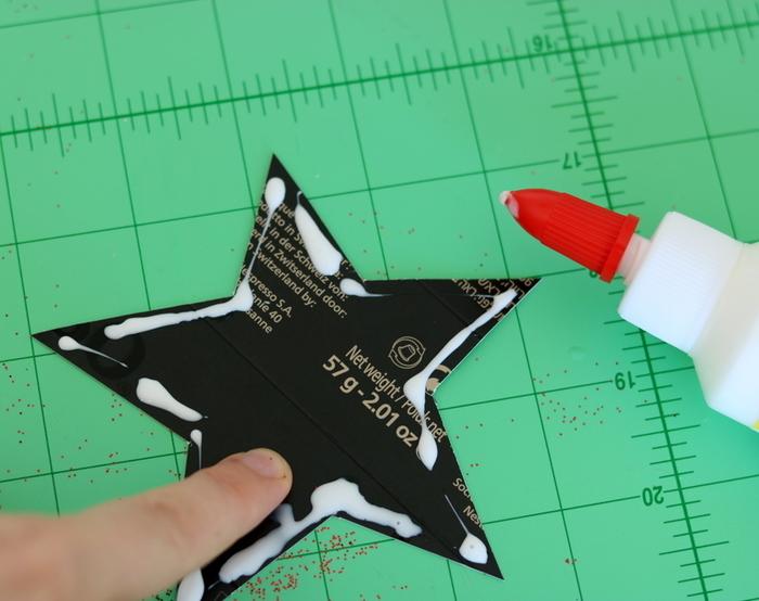 Des étoiles de Noël en 3D (et en capsules de café !)-Collé-serré