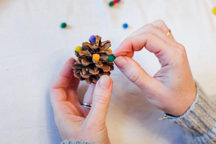 Calendrier de l'Avent des petits bonheurs-Préparer les pommes de pin