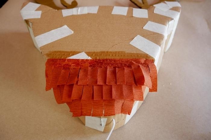 Le trophée renne façon piñata-Le collage