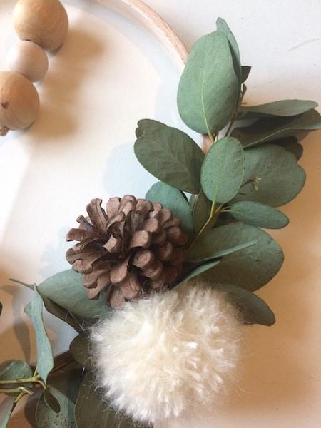 {DiY} Couronne de Noël Eucalyptus-Fabrication des petits pompons blancs