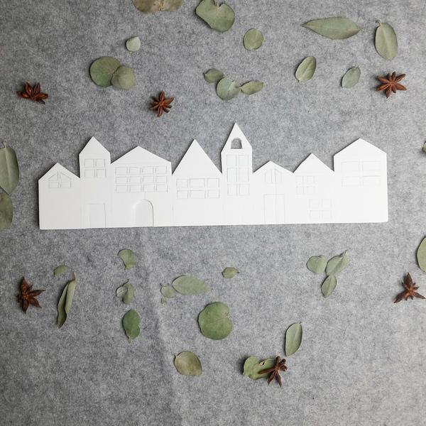 Calendrier de l'Avent façon couronne de Noël -Découpe des maisons