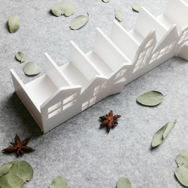 Calendrier de l'Avent façon couronne de Noël -Assemblage des maisons