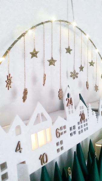 Calendrier de l'Avent façon couronne de Noël -Decoration du cercle