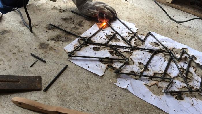 Un sapin géométrique en métal !-Assemblage des morceaux