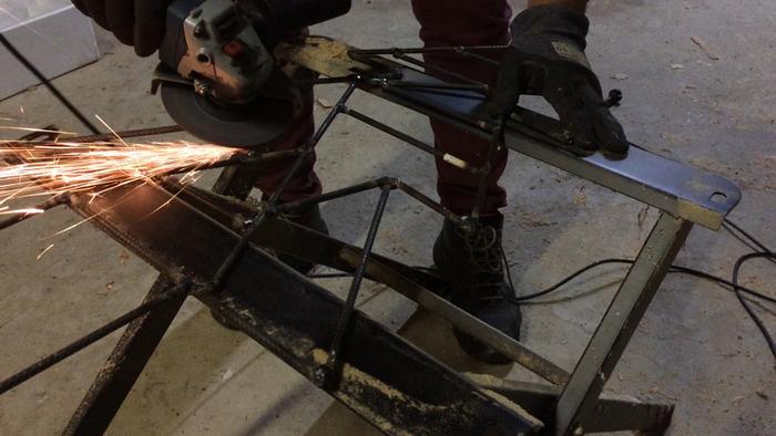 Un sapin géométrique en métal !-Finitions