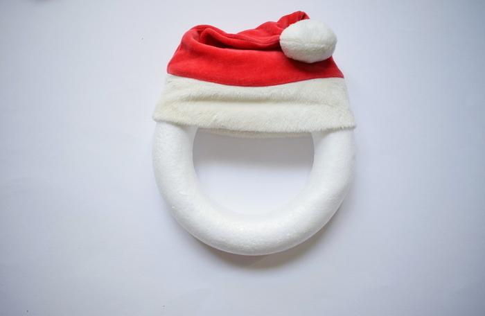 Couronne de Porte de Noël-Le bonnet