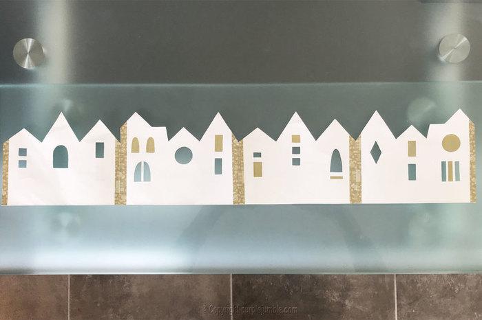 Carte de vœux à déplier-Découper et décorer les maisons