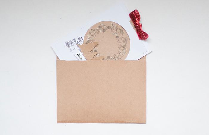 Une carte de voeux à imprimer-Mettez la carte dans son enveloppe