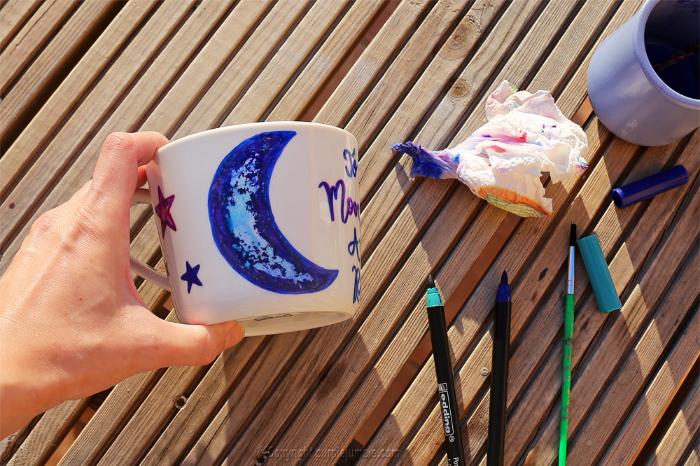 Mug de saint valentin-Dessiner un croissant de lune
