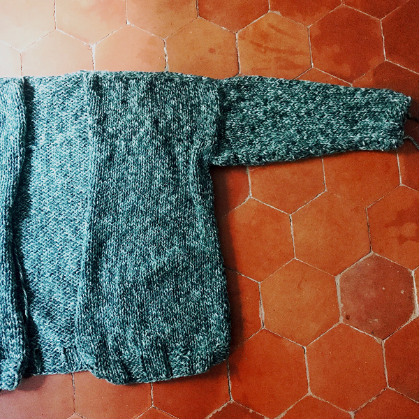 Cardigan oversize au tricot (sans patron)-Assemblez