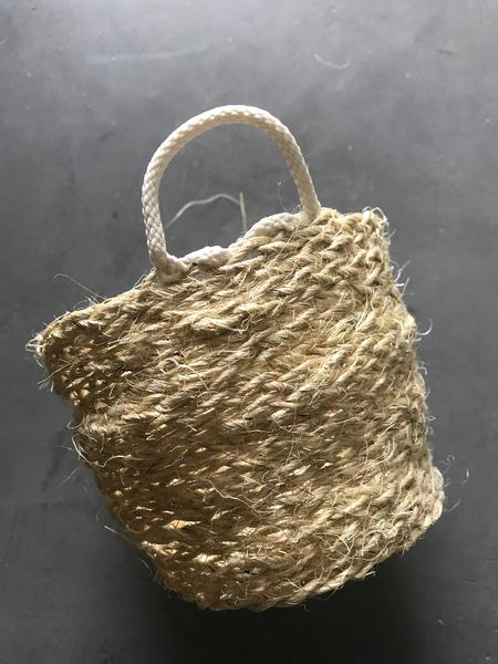 Panier en corde tréssée DIY-Anses et finitions