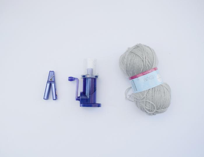 Un Lapin en tricotin-Le fil de tricotin