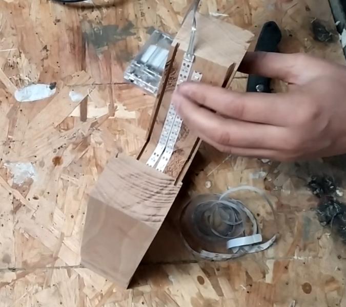 Lampe bois et béton-Installation du ruban LED