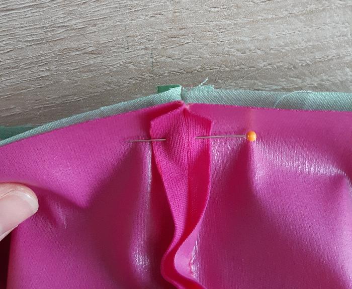 Pochette imperméable pour ranger le maillot de bain-Réalisation d'une coulisse