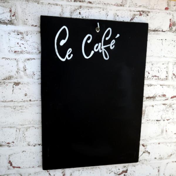 Petit café New-Yorkais pour jouer au restaurant-Touches finales
