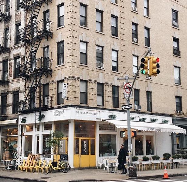 Petit café New-Yorkais pour jouer au restaurant-Découpe des planches pour la structure