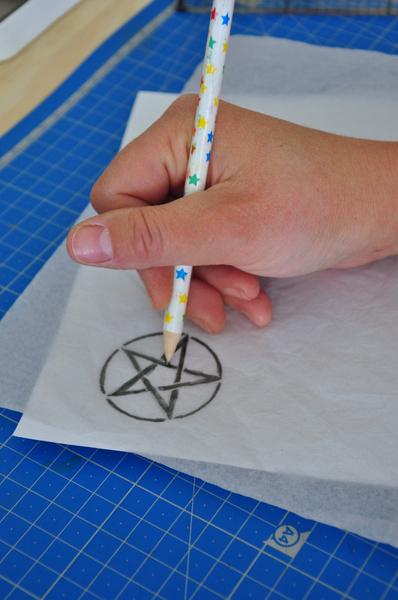 Tampon pentagramme (pic et pic et colegram)-La reproduction du motif sur le support
