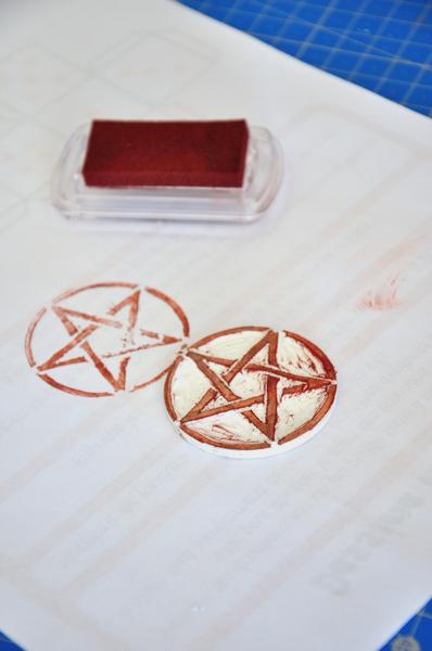 Tampon pentagramme (pic et pic et colegram)-L'encrage