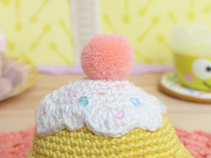 Crochet ~ Amigurumi cupcake-la couture partie 1