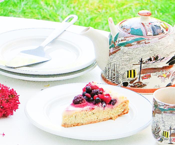 Cheesecake au thé matcha et aux fruits rouges-Décorer votre Cheesecake