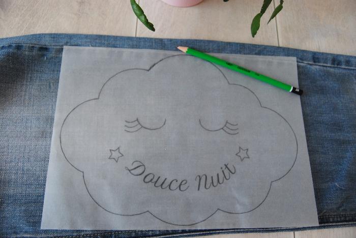 Comment coudre un doudou nuage brodé à la main et son pochon-Préparations des pièces du doudou et broderie du nuage
