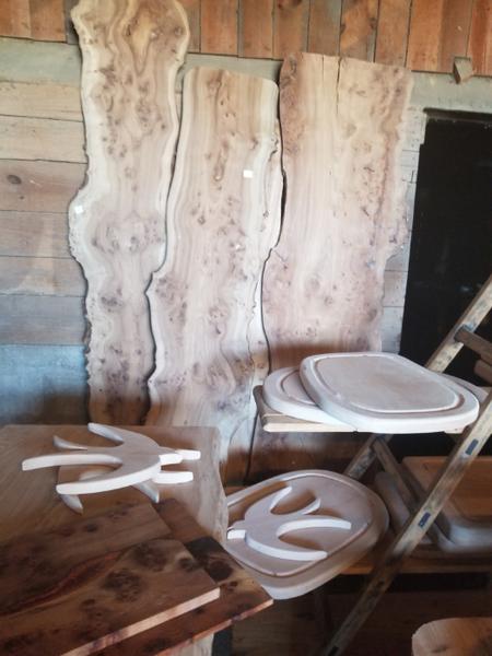 Planche de Présentation bois D'orme et résine époxy.-choisir une planche