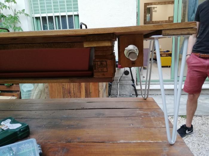 Table basse à double usage !-Installation des éléments du plateau