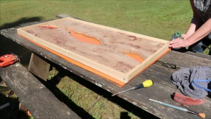 River Table Fire lave incandescente epoxy Art-2éme étape réaliser la cadre