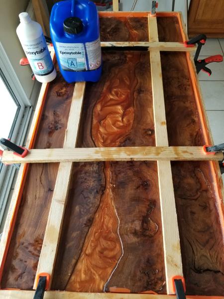 River Table Fire lave incandescente epoxy Art-Coulez la résine