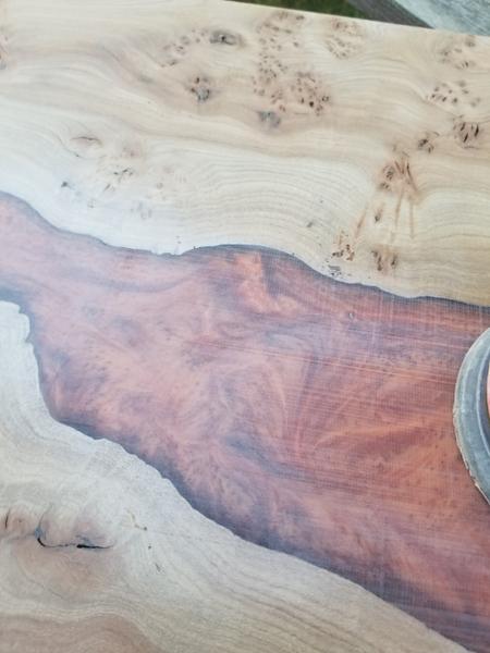 River Table Fire lave incandescente epoxy Art-Poncez et lustrez la table