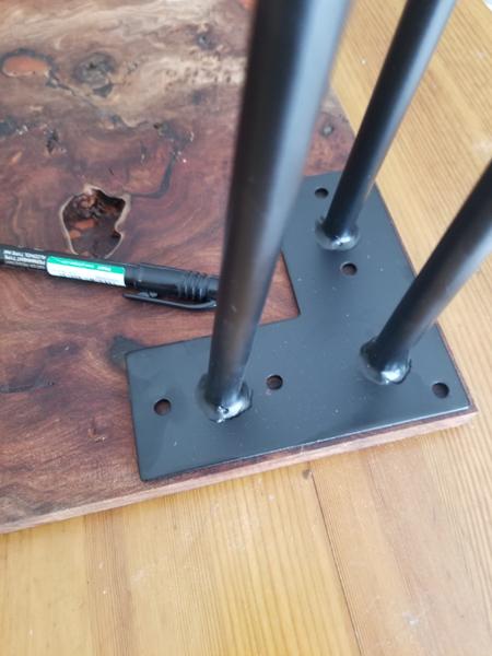 River Table Fire lave incandescente epoxy Art-Monter les pieds de la table