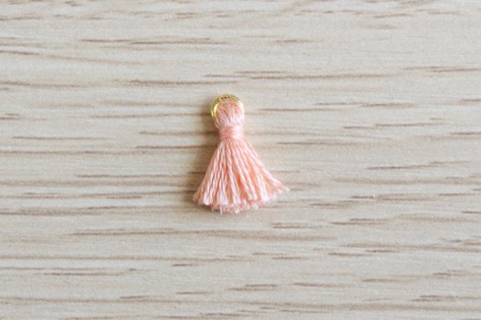 Boucles d'oreilles homard en plastique fou-Réalisation des pompons