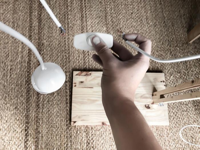 Un lampadaire tendance-L'installation électrique