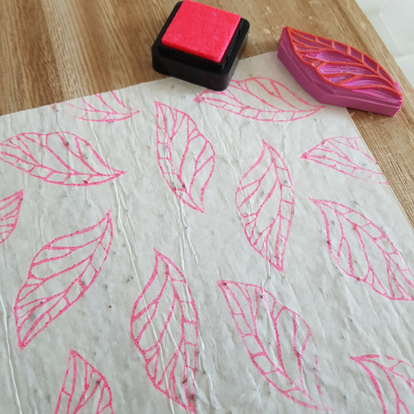 Créer son papier cadeau-Laisser sécher puis utiliser son papier ensemencé