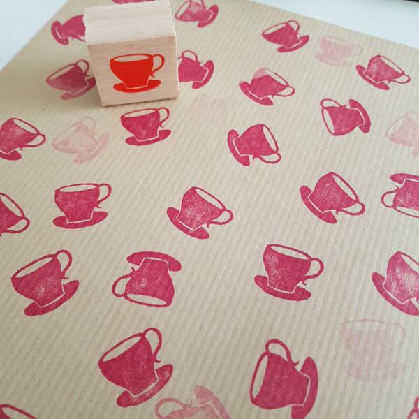 Créer son papier cadeau-Décorer un autre type de papier