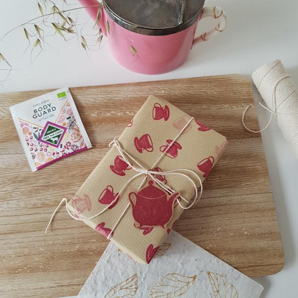 Créer son papier cadeau-5. Emballer